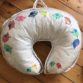 Brand New! Nursing Pillow 5 in 1 Widgey Pillow Birdy