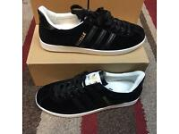 Black gazelles sizes 5 and 6