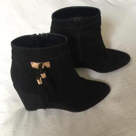 Boots Black River Island Size 4 UK