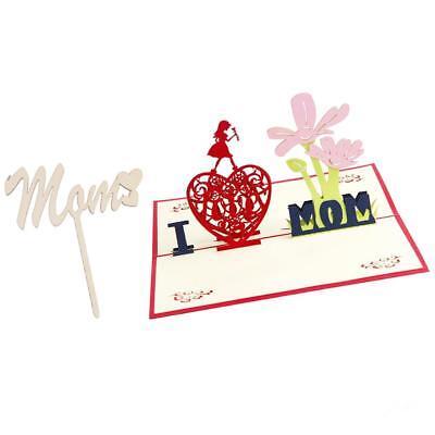 Compleanno di festa della madre 3D in su il biglietto di auguri Mamma del