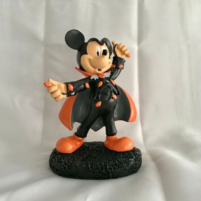 "Disney Mickey Vampire DRACULA Garden Statue Figure 8"" Halloween Pumpkin 2021"