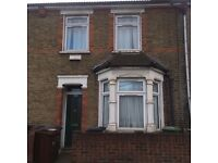 3 bed Victorian terrace RTB needs 3 bed house DagenhamRTB to complete 3bwsy swap.
