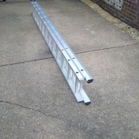 SOLD 22', Aluminium Double Ladder