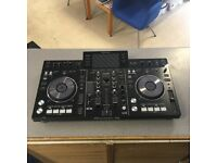 PIONNEER XDJ-RX DJ CONTROLLER - DJ MIXING / DIGITAL TURNTABLES / MP3 / USB / SERATO PLAYER