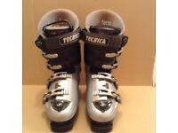 Tecnica X8 hot form ski boots. Size 8