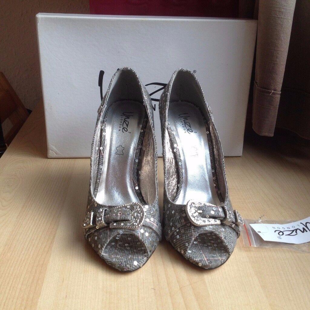 NEVER WORN Grey High Heels Women Shoes - Size 5/38