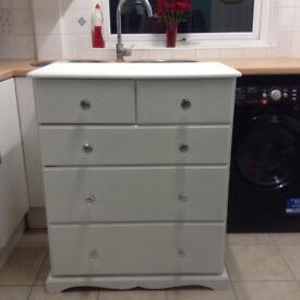 Large chest of drawers /furniture,shabby