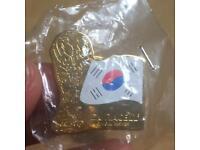 Duracell Trophy Pin Rare Collectible Korea World Cup 2002 Badge
