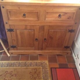 Wooden chest of drawers in good condition (was used as TV cabinet)