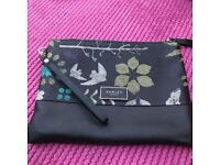 BRAND NEW RADLEY LEATHER CLUTCH BAG, PAID £90 IN THE SALE, BARGAIN £45