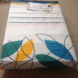 5ft duvet cover set. Brand new. Two pillowcases included