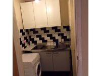 Very clean Large Studio .separate shower/kitchen & sitting room