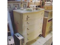 LOUIS STYLE CHEST OF DRAWERS BOW FRONTED CABRIOLE LEGS CREAM GLASS TOP