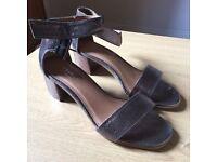 Kurt Geiger bronze leather sandals size 37/4