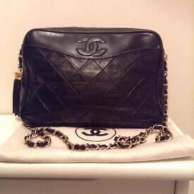 Vintage Chanel cross body bag - 100% Authentic - very good condition