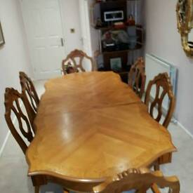 Wooden extendable dining table & chairs