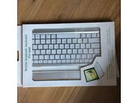 Mobile iPad Bluetooth keyboard