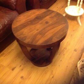 Coffee/lamp table