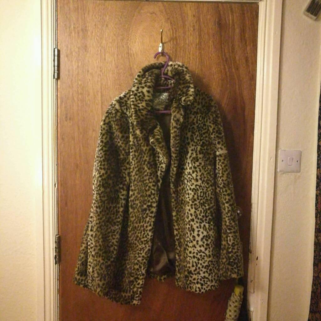 Size 16 New Look leopard print coat