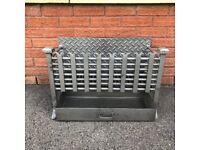 Cast Iron Fireplace Basket Grate / Vintage Retro Fire Place Wood Burner