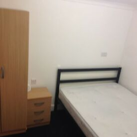 Double room in clean house, Eastham E6 sec's away from station & shops. Short term let available !!!