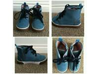 Size 9 Excellent New Condition