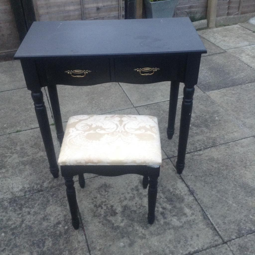 Dressing table /stool / mirrors
