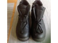 Mens leather upper safety boots, sizes 8 & 9