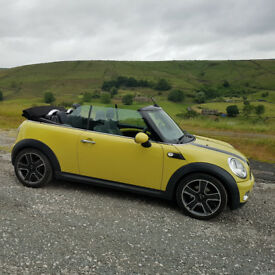 2010 MINI Convertible 1.6 Cooper 2dr with Chilli Pack (low mileage and FMDSH)