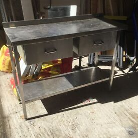 Stainless kitchen unit ideal for bar restraunt