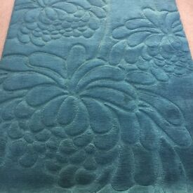 Attractive Teal Rug for sale