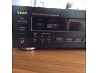 Teac music system / am fm radio Amplifler / CD / Turntable