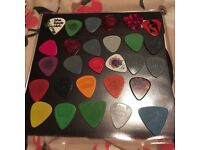 28 guitar plectrums