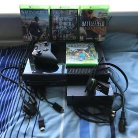 XBox One - 1 Controller, Near New Condition, 4 Games