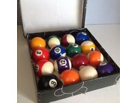 Full set of unused pool balls