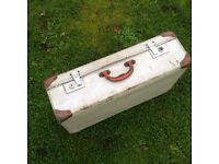 Retro Hard Suitcase in White