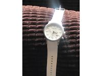 Men's white Michael Kors watch. Fully working and in good condition.