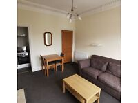 BELLHAVEN TERRACE: 2 bed, top floor property in popular Morningside. Low deposit.