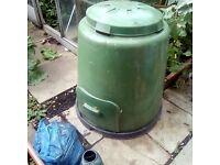 Large green compost bin