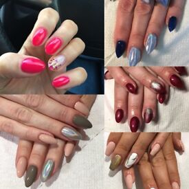 Book your Christmas nails!!