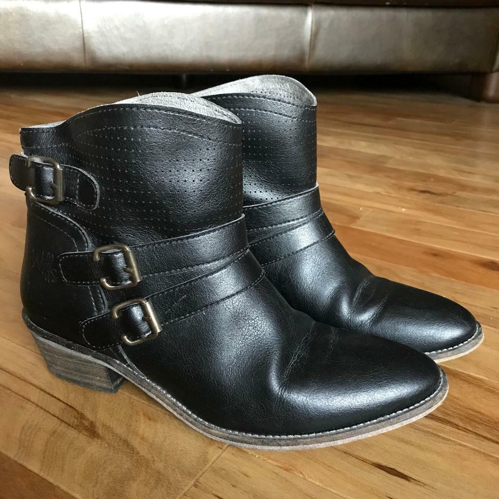 Wills vegan shoes black ankle boots UK 6.5 / 40