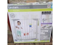 LINDAM SAFETY GATES BRAND NEW.