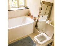 En suite room with balcony over looking fields and ocean, close to St ives.