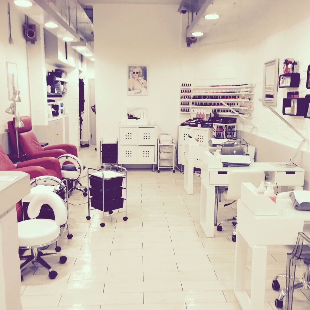 exceptional energetic salon manager great customer service exceptional energetic salon manager great customer service and ideally nails beauty experience