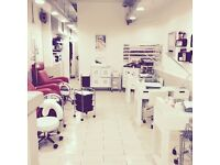 Exceptional, energetic Salon Manager with great customer service and ideally nails/beauty experience