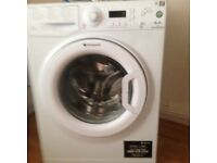 Hotpoint washing machine in excellent condition, 2 yrs old very clean, bargain at ��80.