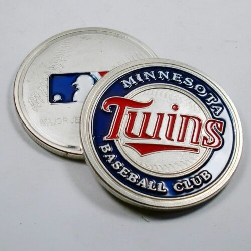 MLB Minnesota Twins Poker Chip Card Guard Challenge Coin Golf Marker