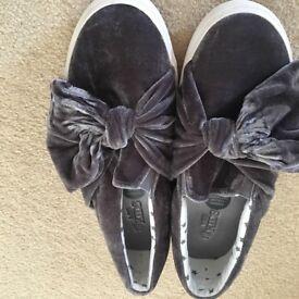 Ladies shoes. Various
