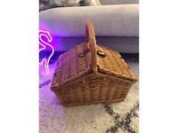 Wicker picnic hamper - Never used!