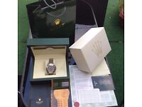 Complete Rolex box set silver bracelet silver face rolex daytona with sweeping movement the comple
